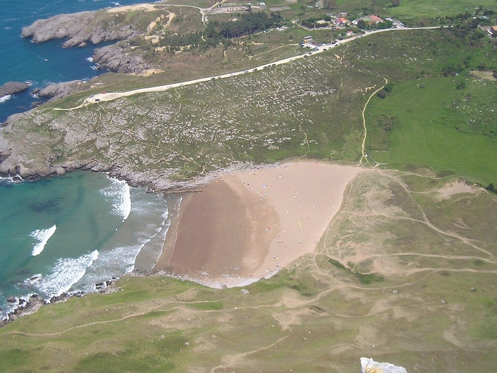 Playa de Oriñón, Cantabria | ©Vanbasten 23 / Wikimedia Commons