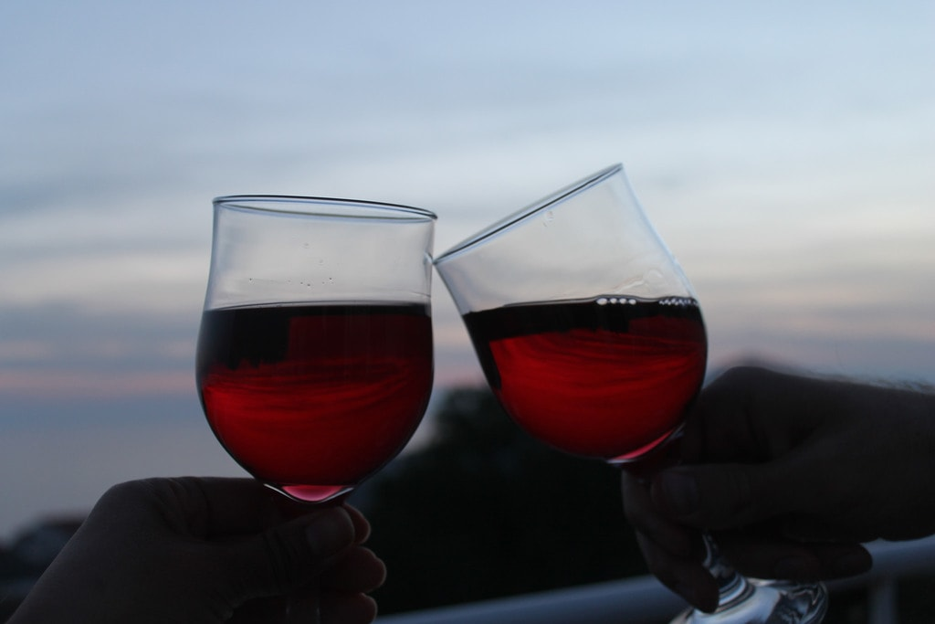 Cheers! | © Connie/Flickr