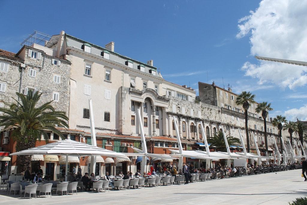 Café-lined Riva, Split | © Connie/Flickr