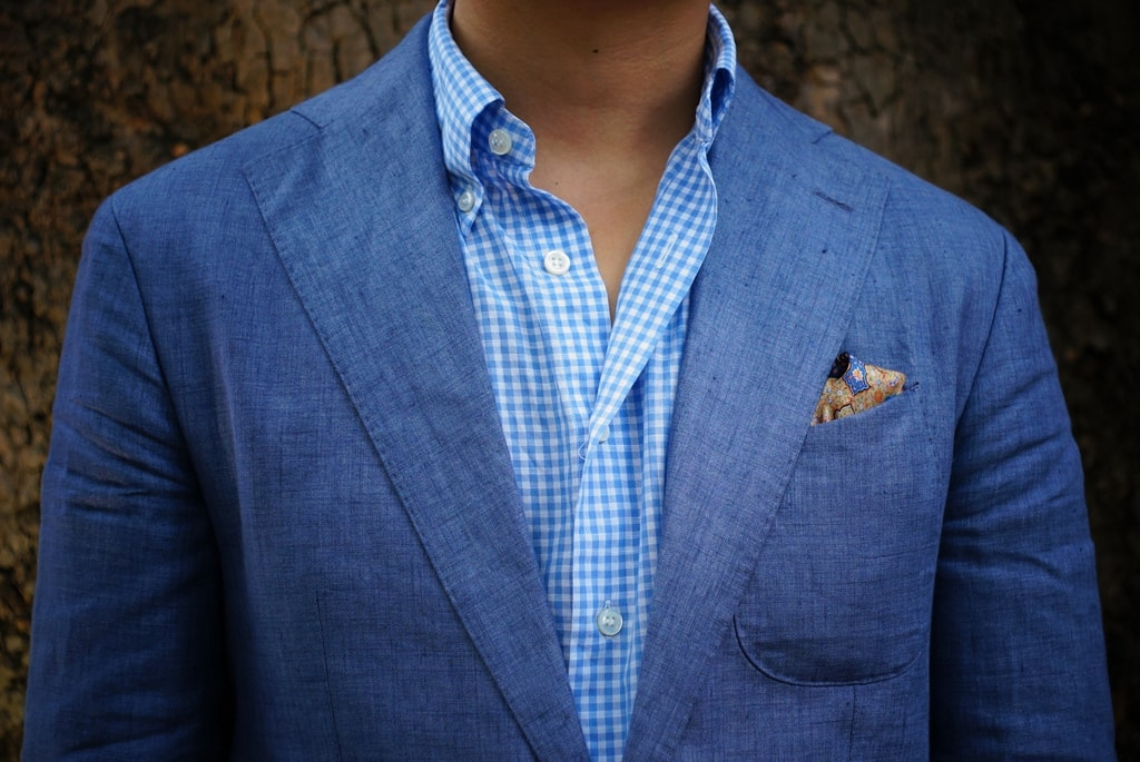 Suit up!   © Kent Wang/Flickr