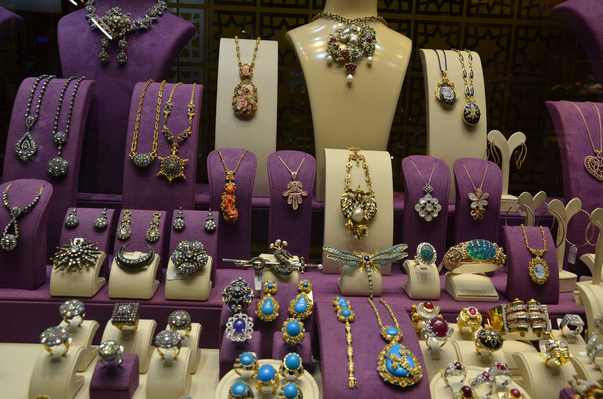 The Last Jewelry Craftsmen of Istanbul's Famous Grand Bazaar
