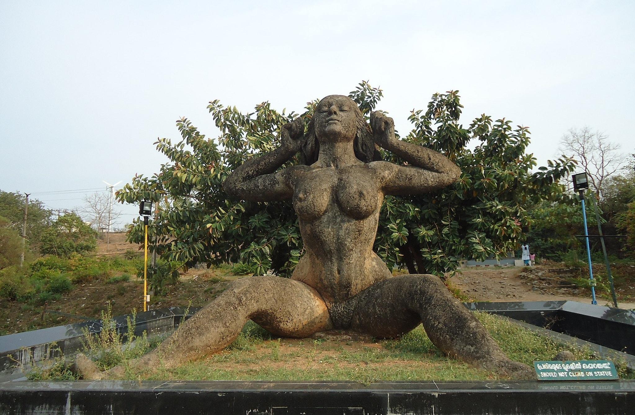2.yakshi_statue_