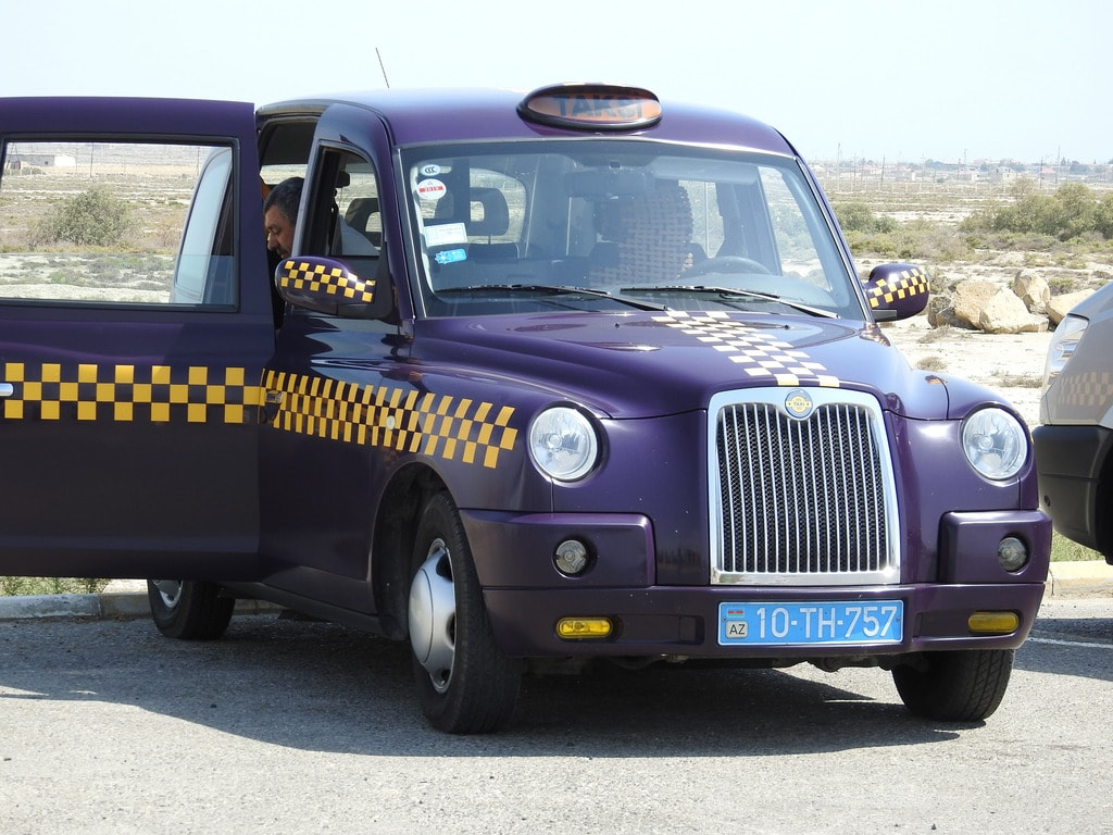 The typical London style taxi in and around Baku | © shankar s/Flickr