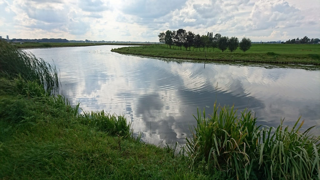 Canal near Noord Aa, Zoetermeer, the Netherlands | <a href=