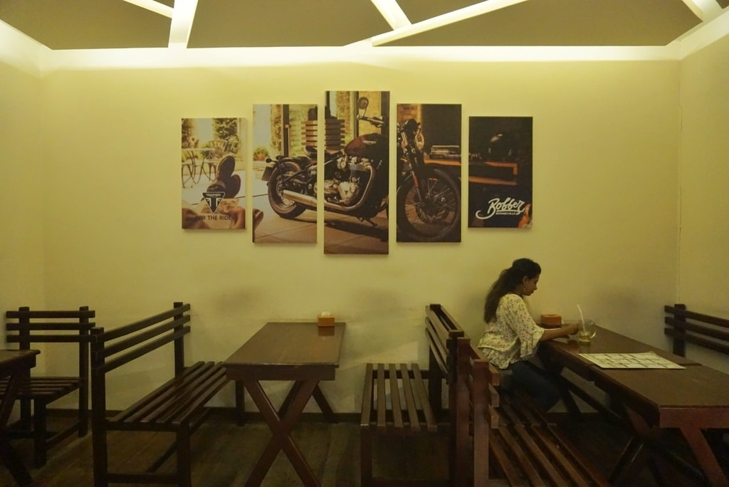 5.chillax_cafe_