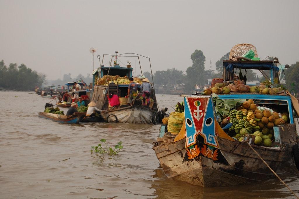 Floating market   © unkle_sam/Flickr