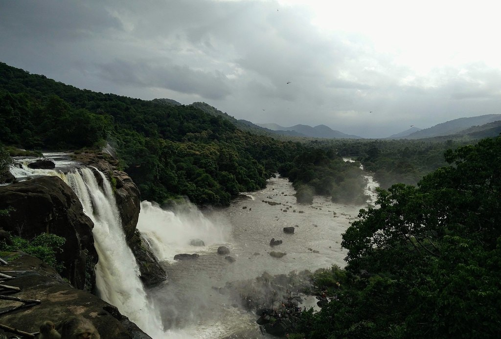 8.athirapilly_falls_