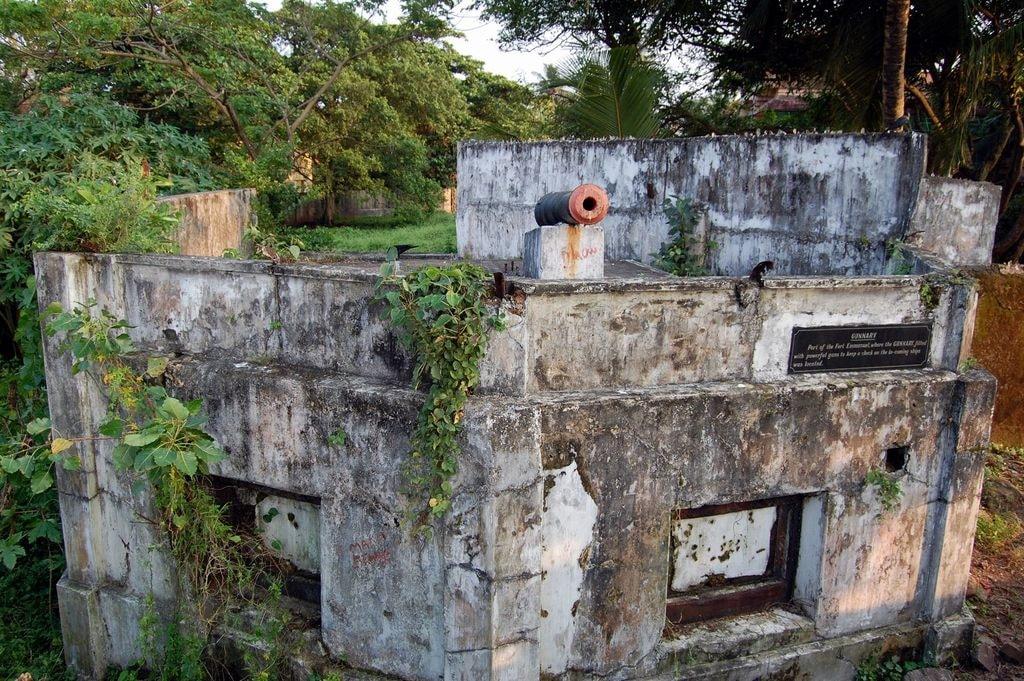 9.fort_emmanuel