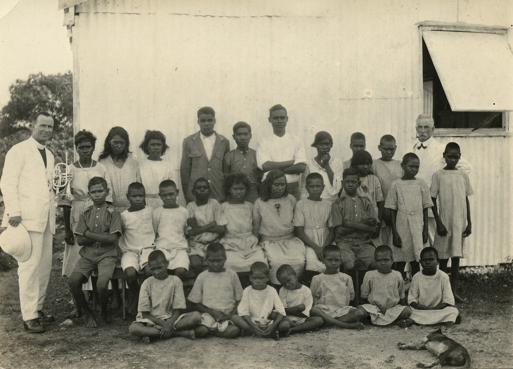 A group of Indigenous children at the Kahlin Compound in Darwin in 1921 | © Wikimedia Commons