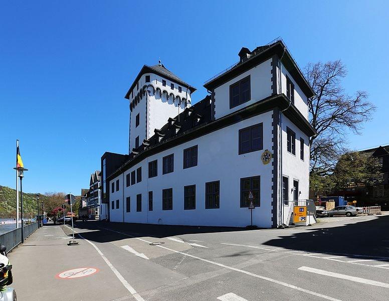 Alte_Kurfürstliche_Burg_Boppard,_an_der_Rheinallee