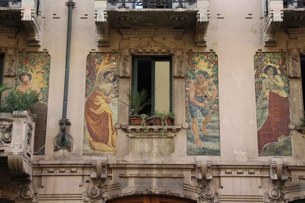 An Art Nouveau facade in Porta Venezia, Milan | © Fred Romero/Flickr