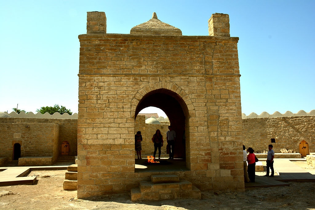 Baku's ancient religious fire temple becomes a major attraction | © ANAS Public Relations/WikiCommons