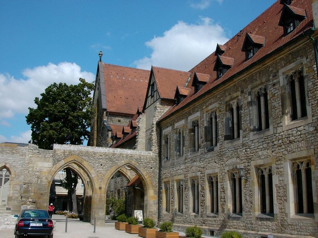 augustinian-monastery-264565_1280