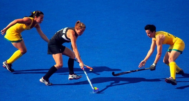 Australia battles New Zealand in women's hockey | © Ross Huggett/Wikimedia Commons