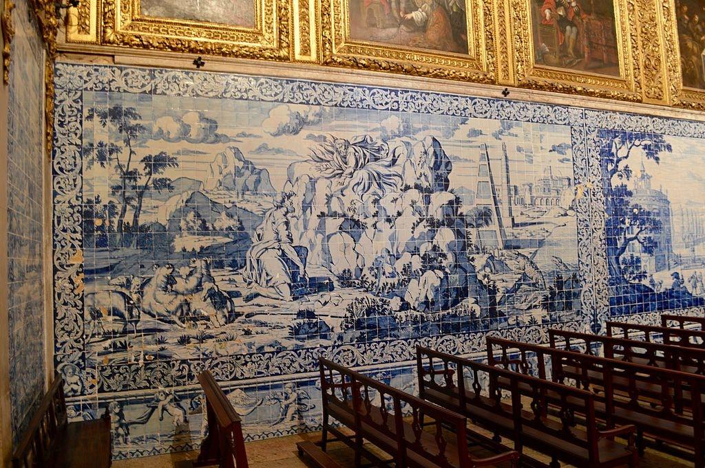 https://commons.wikimedia.org/wiki/File:Azulejo_Museum_-_Lisbon_(26937192335).jpg