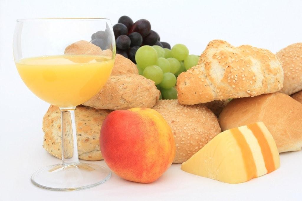 https://pixabay.com/en/baked-bakery-baking-bap-bread-1238391/