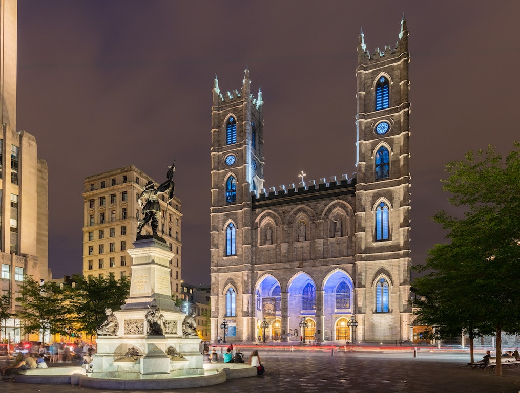 Basílica_de_Notre-Dame,_Montreal,_Canadá,_2017-08-11,_DD_26-28_HDR