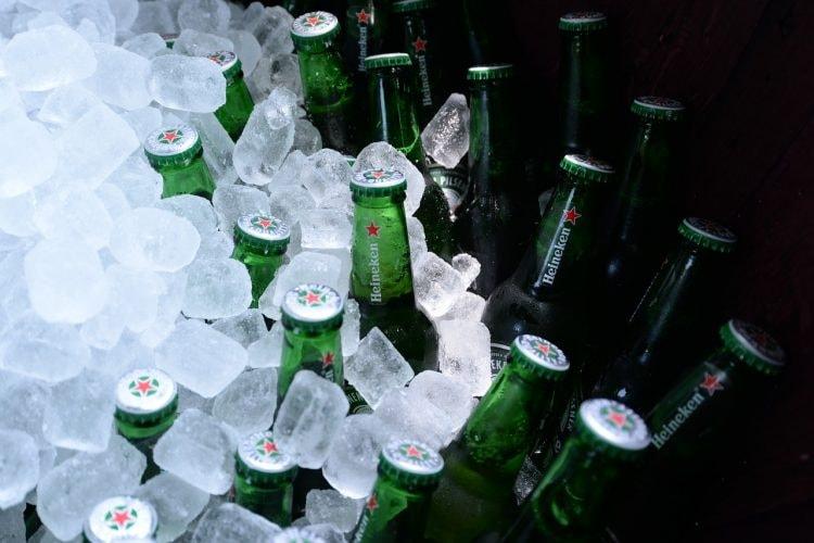 bottles-2609211_1280