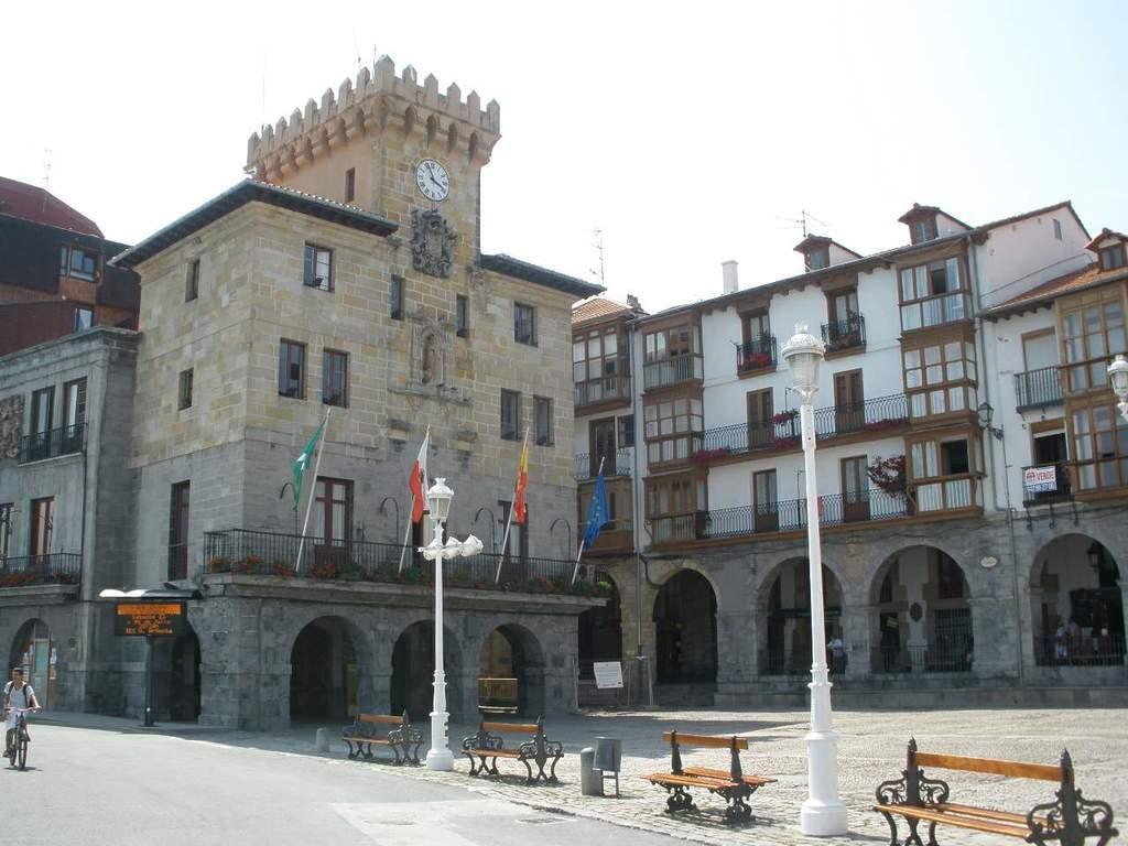 Plaza del Ayuntamiento, Castro Urdiales