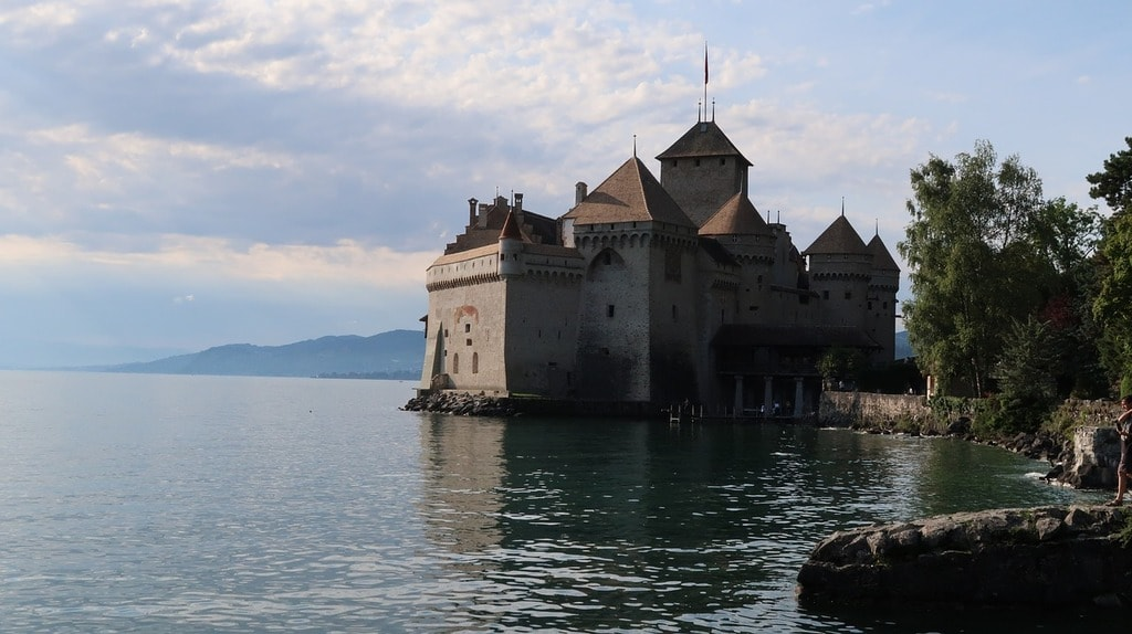 chateau-de-chillon-2646612_1280(1)