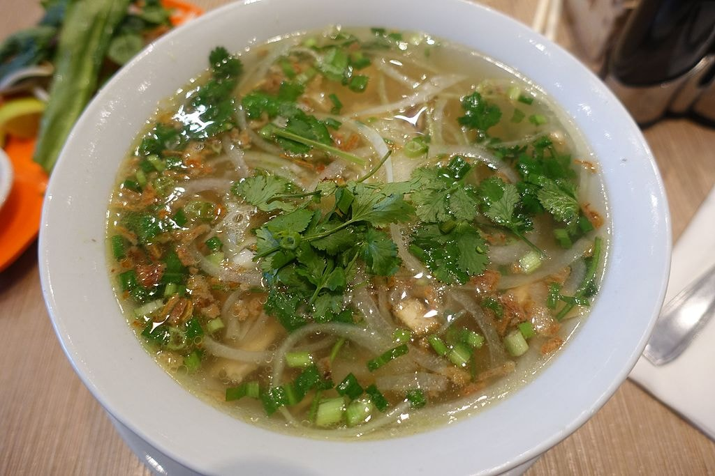 Hearty bowl of Pho | © Guilhem Vellut/Flickr