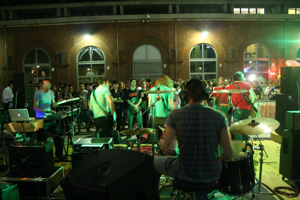 Live music event at Cortile del Maglio, Turin | © Gabriele Morello/Flickr