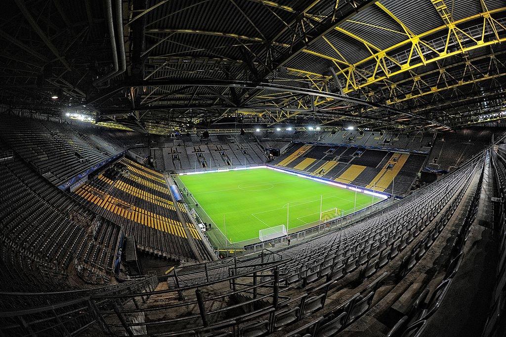 Dortmund_Signal_Iduna_Park_1
