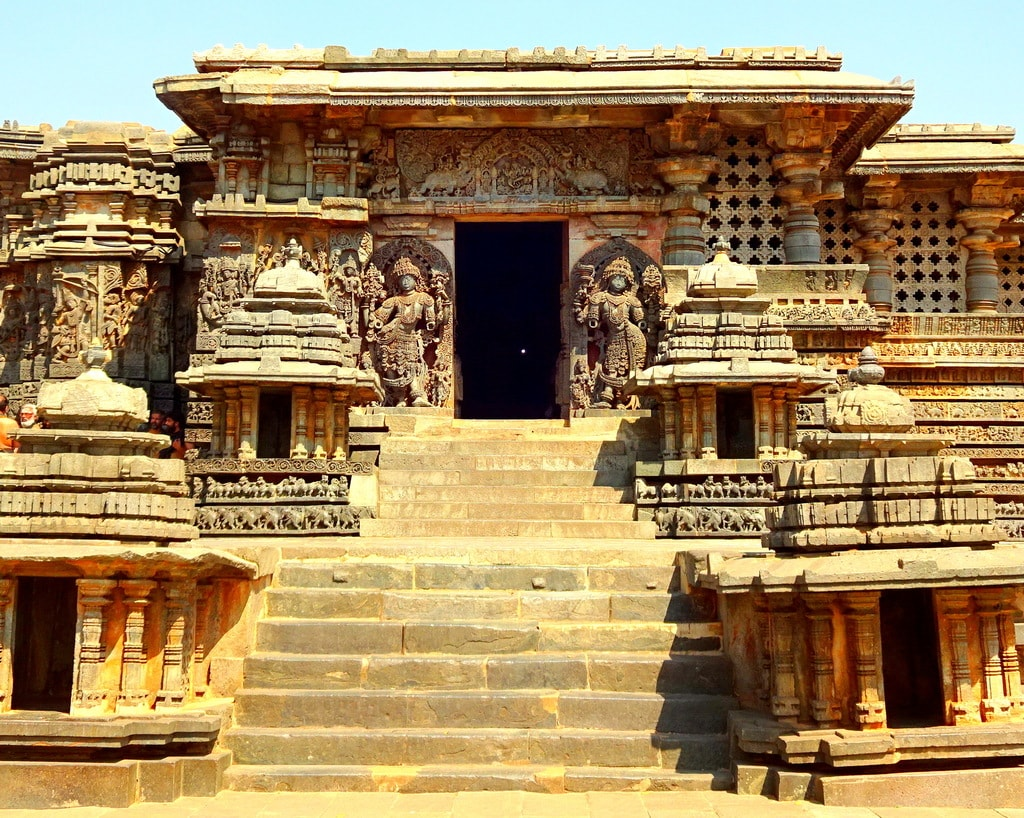 Hoysaleshwara Temple, Halebidu | © Abhin@v