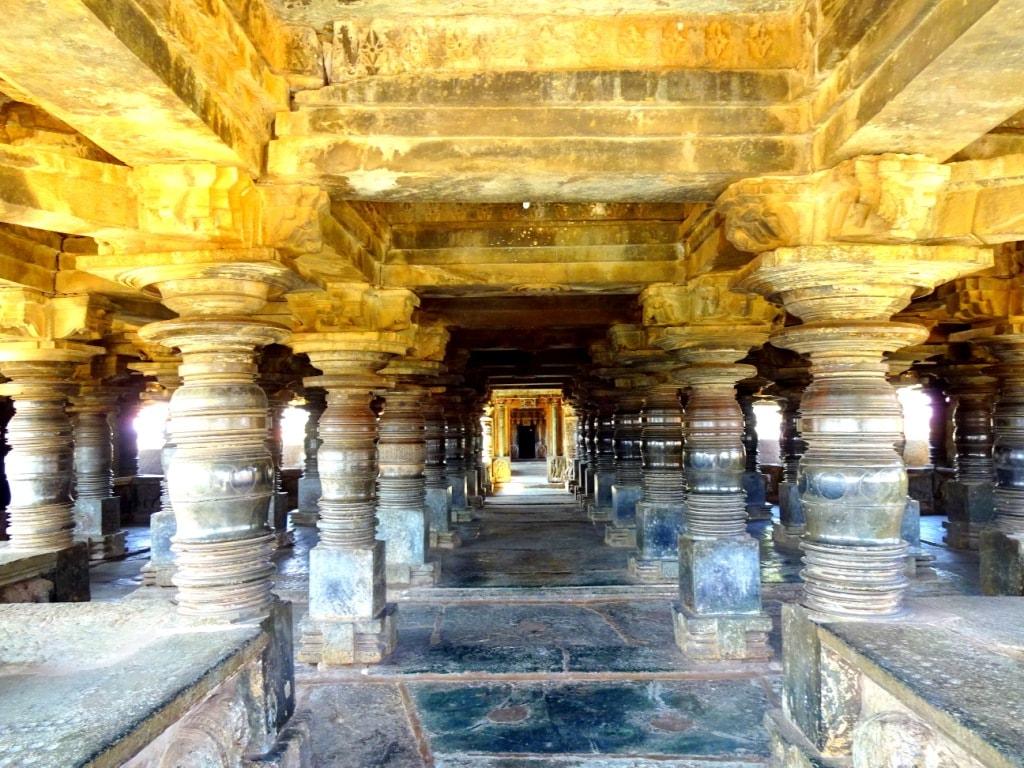 Veera Narayana Temple, Belavadi | © Abhin@v