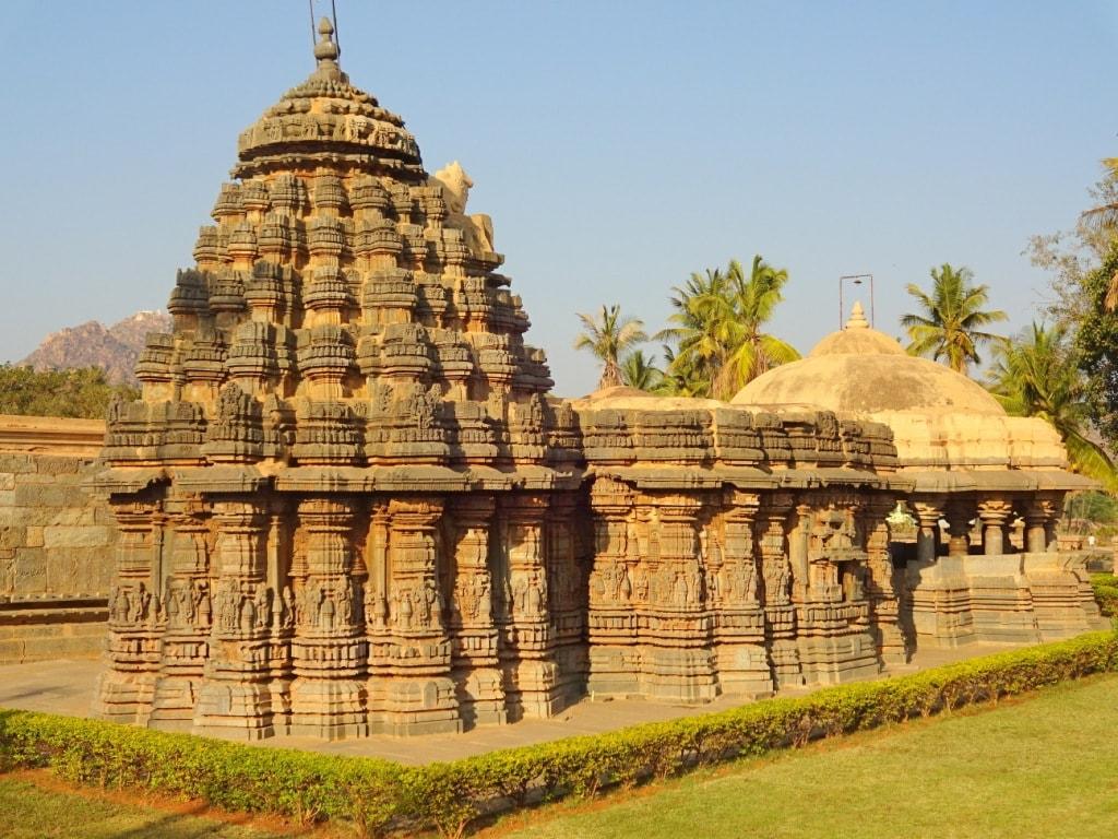 Ishvara Temple, Arasikere | © Abhin@v