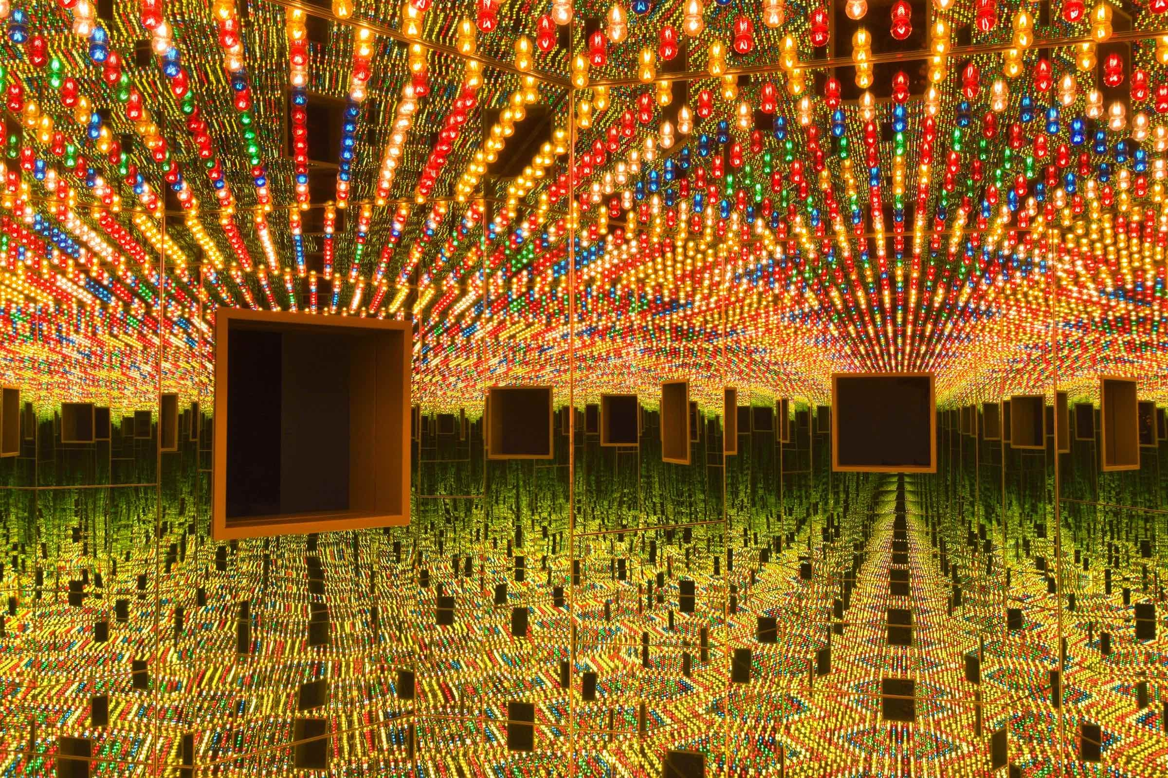 Yayoi Kusama. Infinity Mirrored Room – Love Forever, 1966/1994, at the Hirshhorn Museum and Sculpture Garden   © Yayoi Kusama/Photo by Cathy Carver
