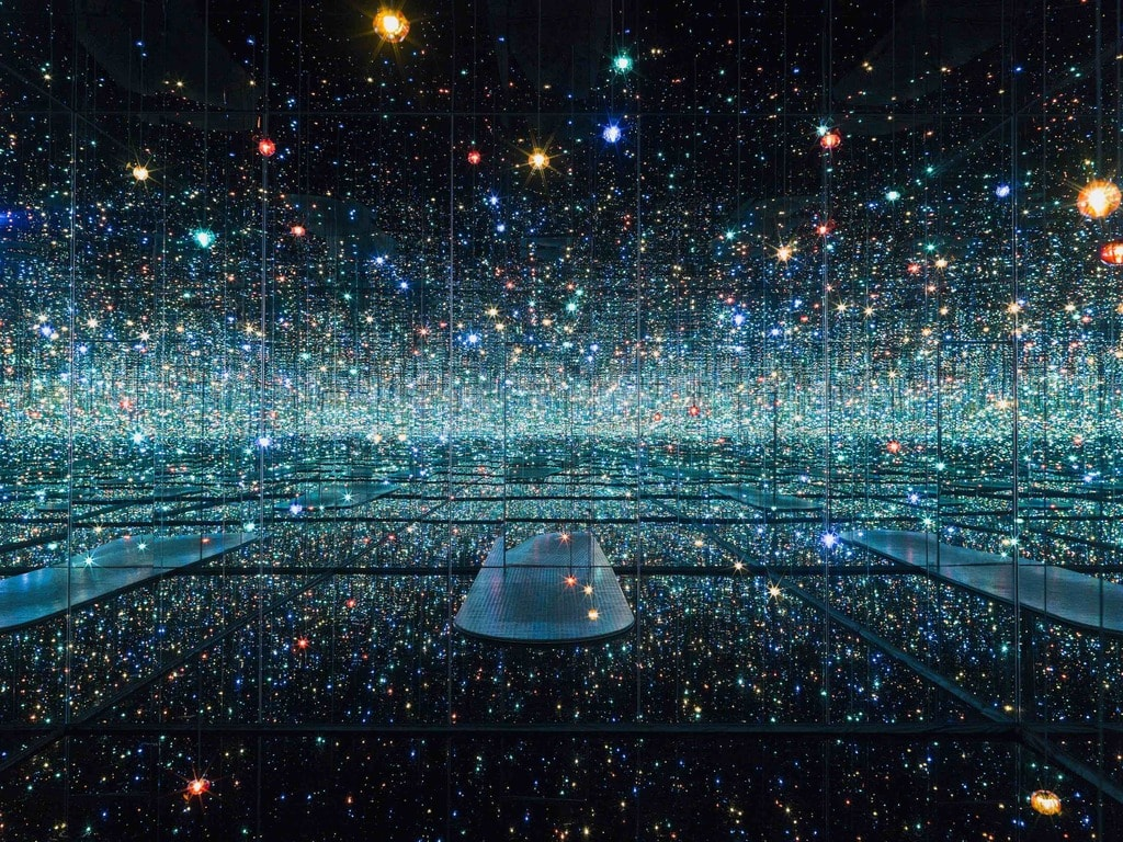 Yayoi Kusama. Infinity Mirrored Room – The Souls of Millions of Light Years Away, 2013   © Yayoi Kusama/Courtesy of David Zwirner, N.Y.