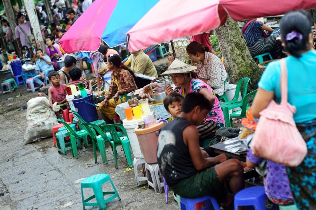 Food-Stalls-and-Bright-Umbrellas-in-Yangon-Myanmar