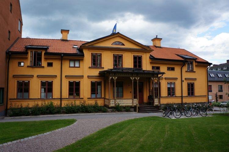 Gula_Villan_Södermanlands-Nerikes_nation