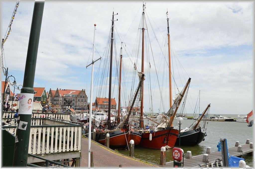 holland-214156_1280