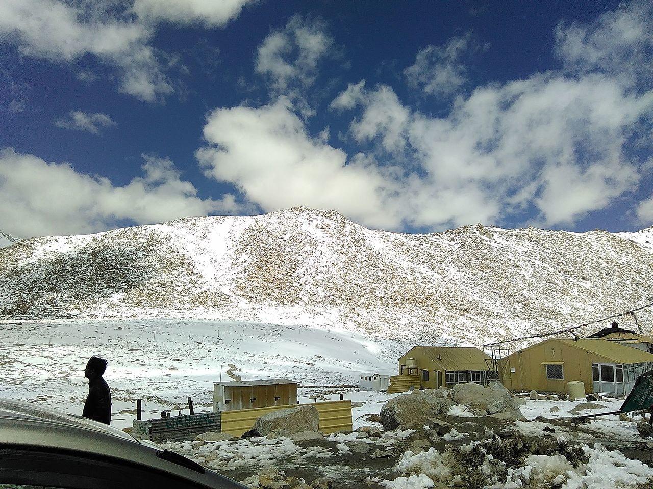 Ice_mountains_at_leh_ladakh