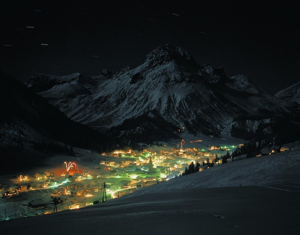 lowres_00000002862-lech-am-arlberg-winter-at-night-oesterreich-werbung-Josef Mallaun - Edited