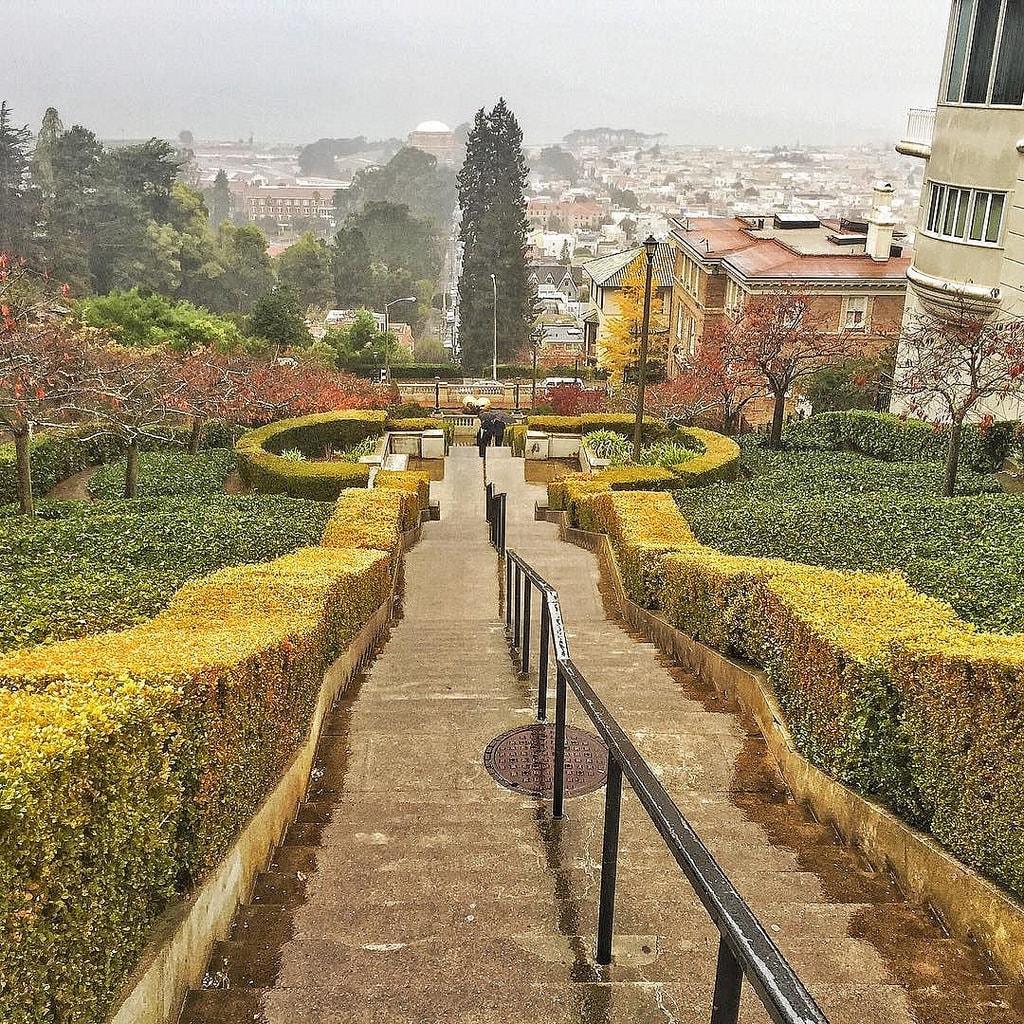 lyon-street-steps