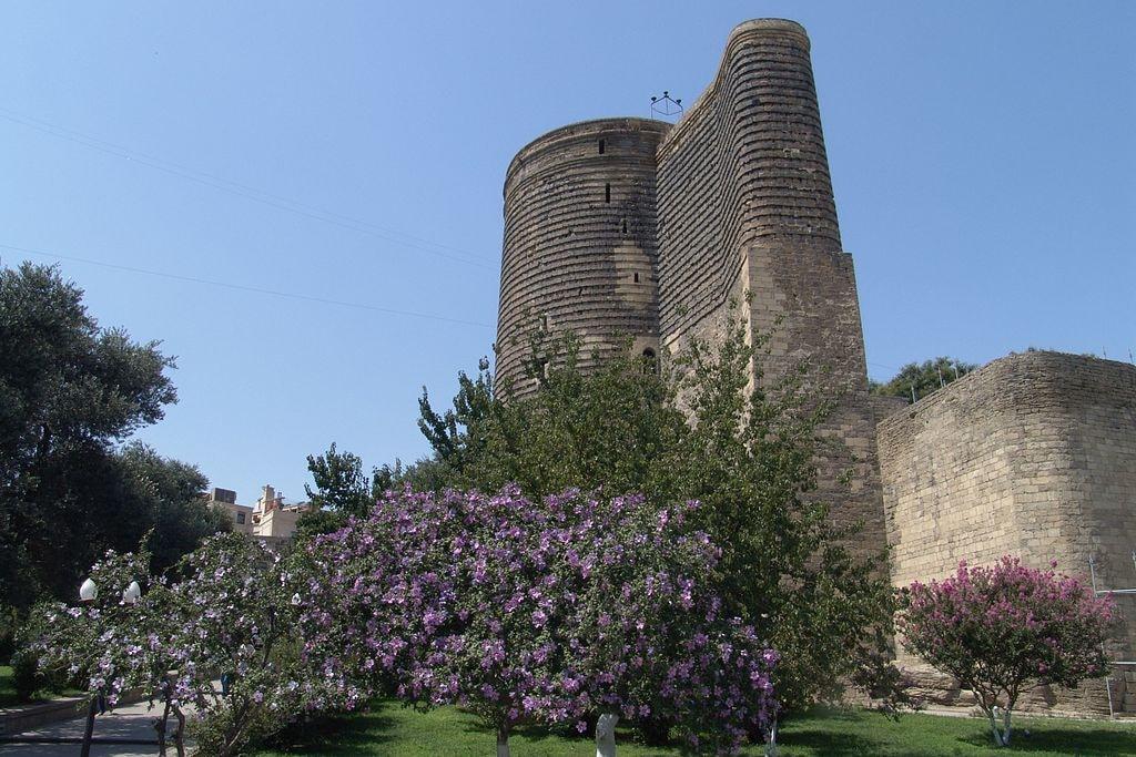 Mysterious Maiden Tower in Baku | © Hans-Jürgen Neubert/WikiCommons