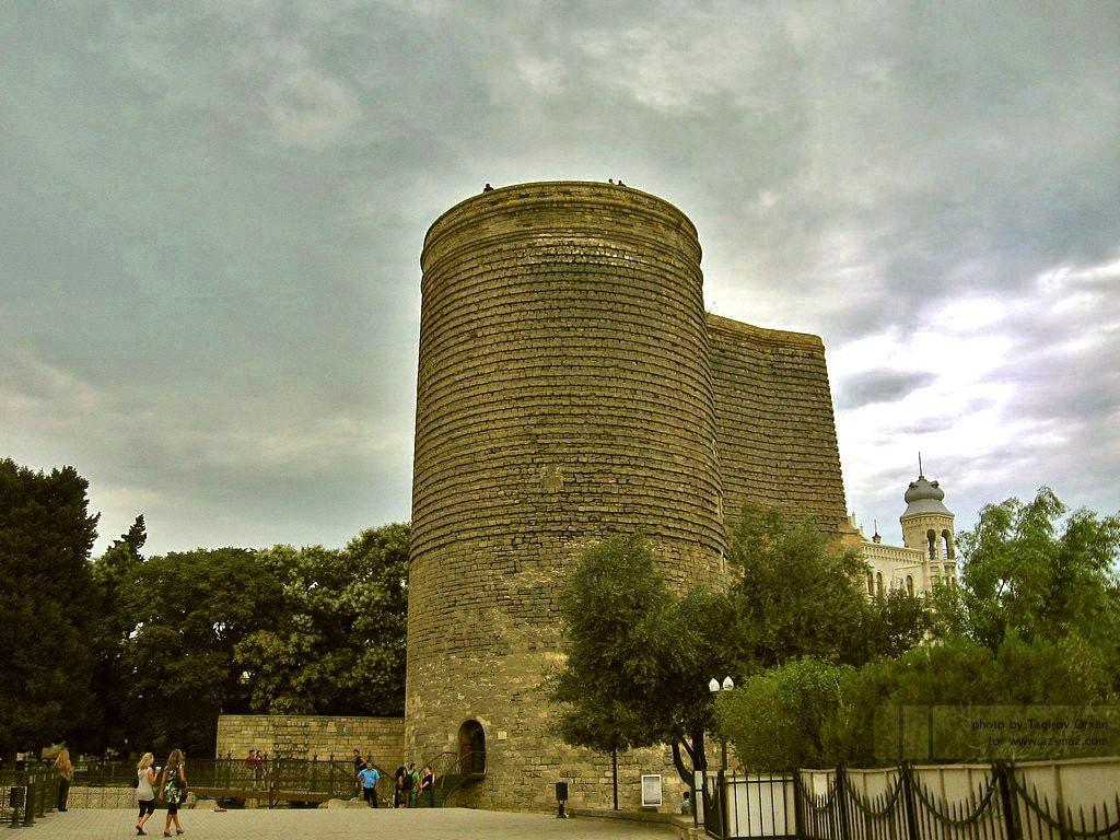 Maiden_Tower_in_Baku,_Azerbaijan