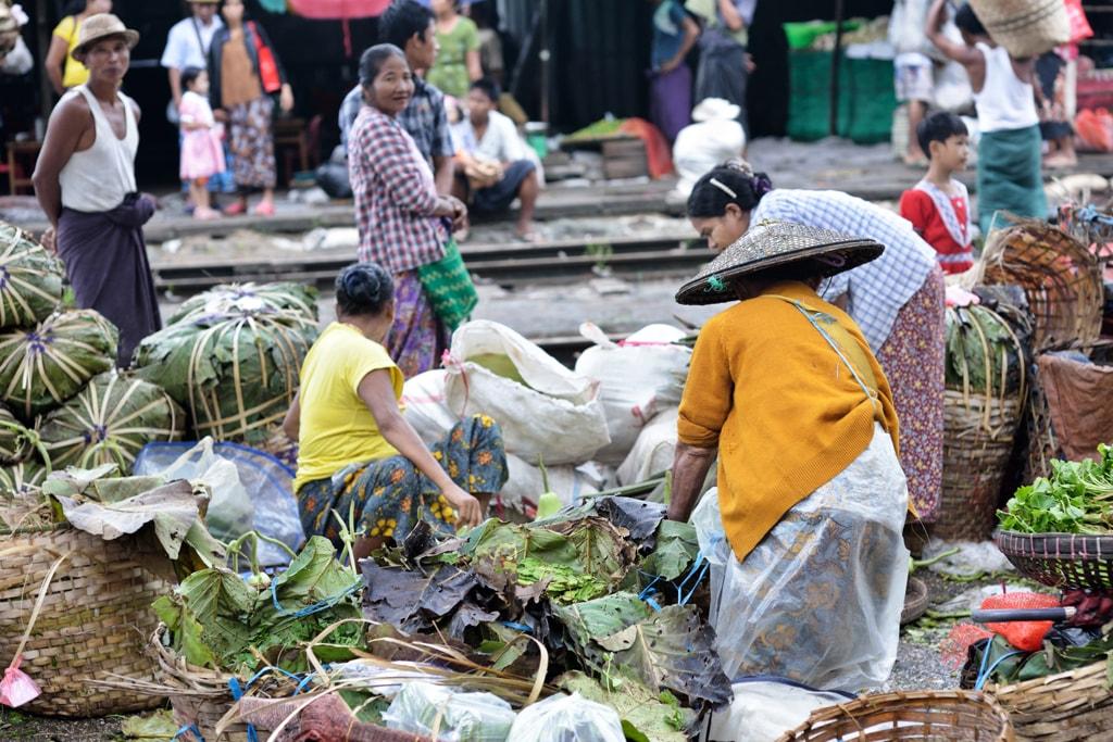 Overflowing-Train-Market