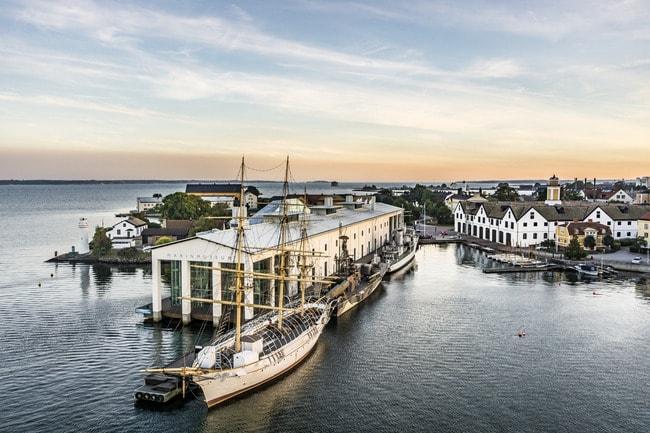 per_pixel_petersson-karlskrona_harbour-5601