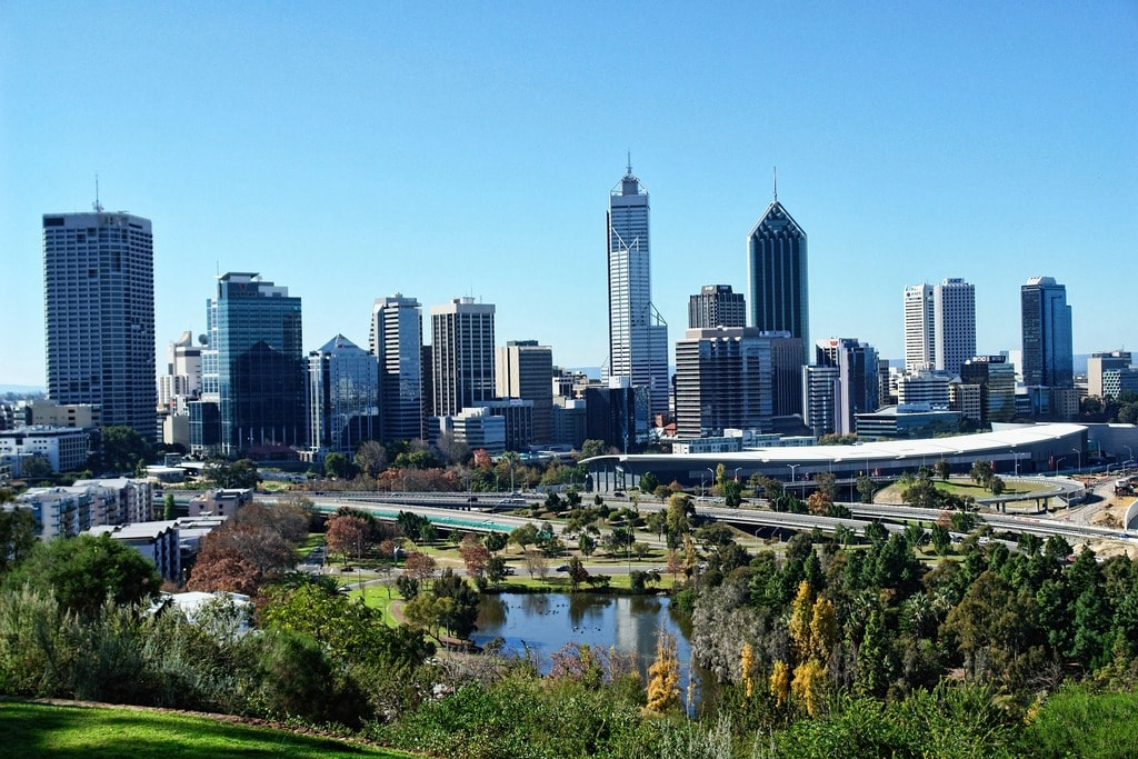 4 DAYS 3 NIGHTS PERTH CITY TOUR - MINIMUM 4 TO GO
