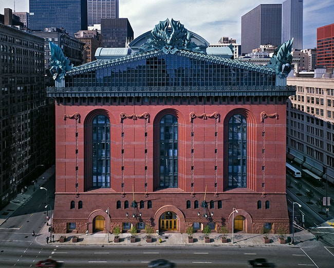 Harold Washington Library Center in downtown Chicago, 1991 | © HBRA Architects