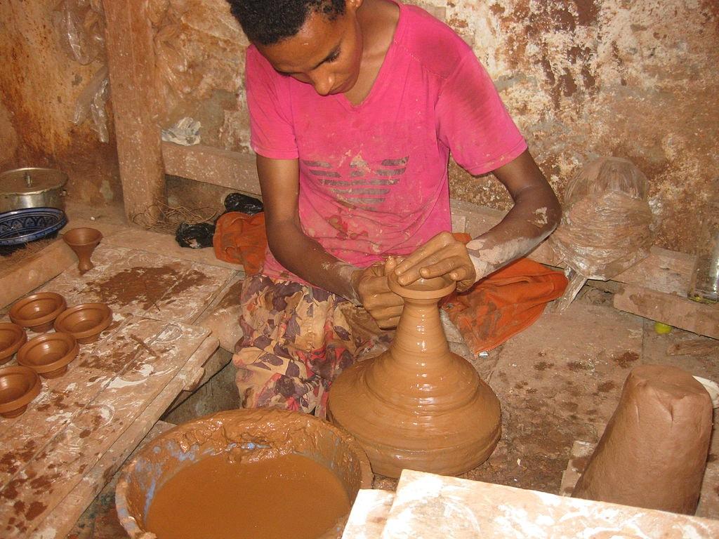 Potter, Safi, Morocco