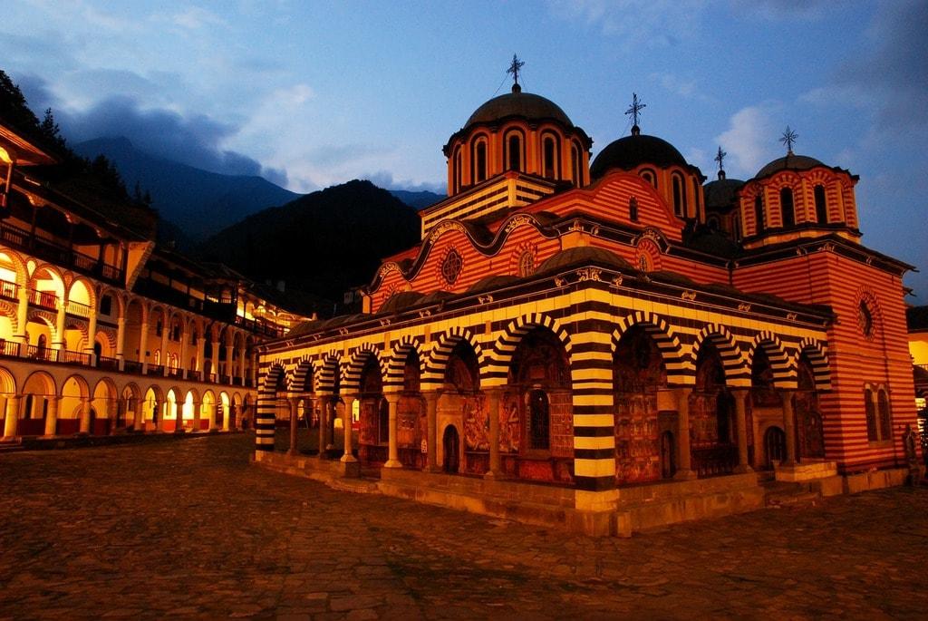 rila-monastery-676748_1280
