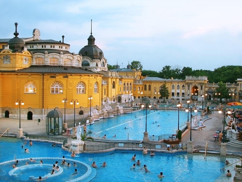 Széchenyi Thermal Bath, Budapest, Hungary | © MarKord/Shutterstock