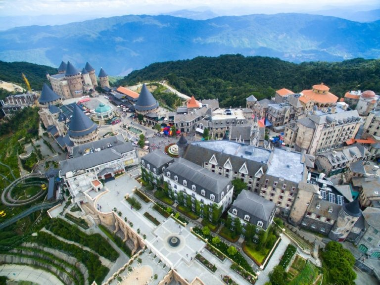 golden bridge ba na hills tour from chan may port