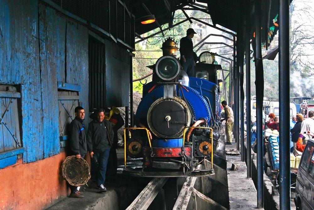 "Darjeeling Himalayan Railway or ""Toy Train"", India | © Hung Chung Chih/Shutterstock."