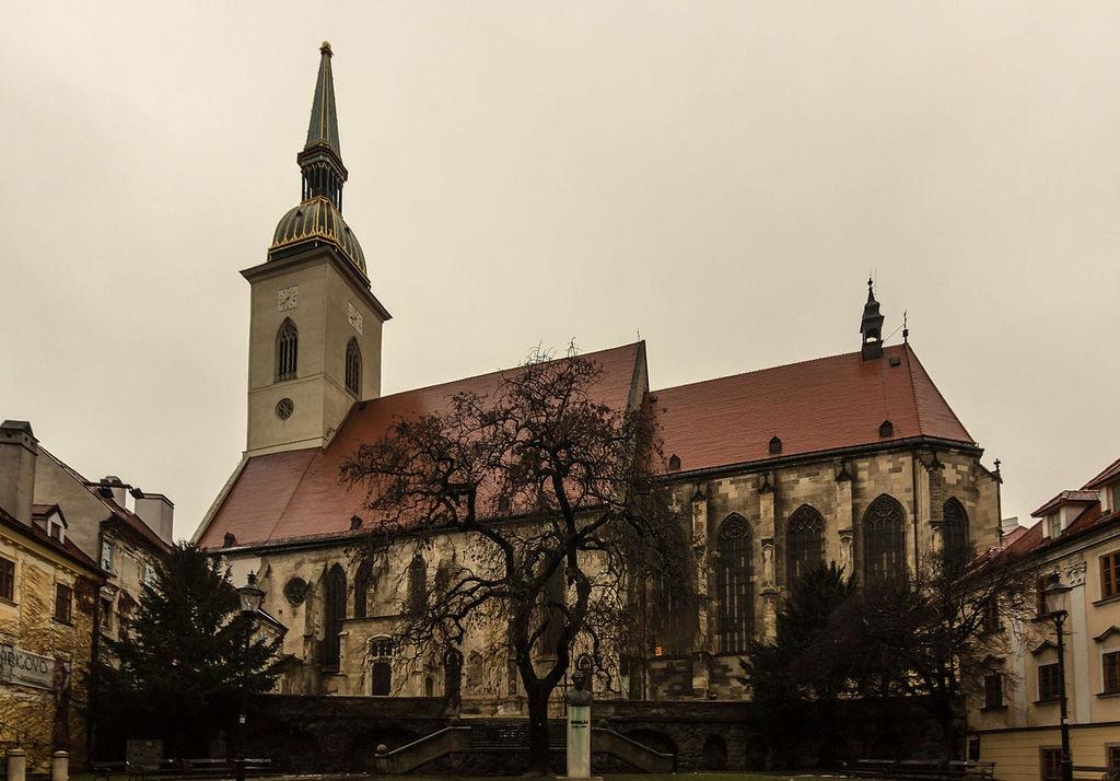St_Martins_Cathedral,_Bratislava_(20160110-IMG_3593)